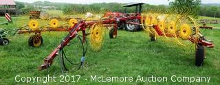 New Holland HT152 10 Wheel Rake