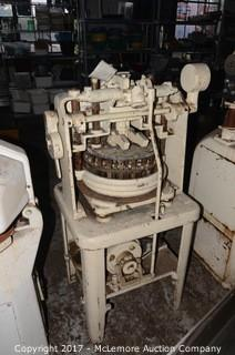 Dutchess Tool Co. Semi-Automatic Dough Divider