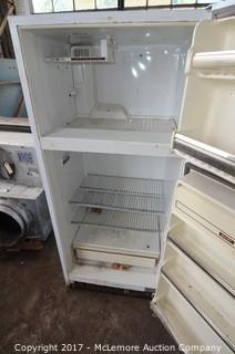 General Electric No Frost Top Freezer Refrigerator
