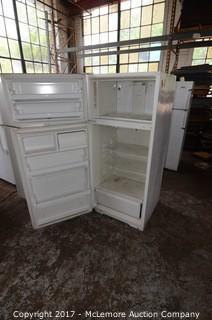 Frigidaire Top Freezer Refrigerator