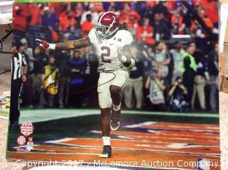 "Derrick Henry Autographed 16"" x 20"" Photo with Steiner Sports Hologram COA"