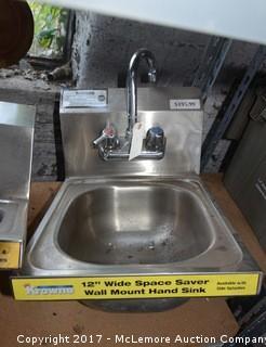 Krowne Commercial Sink Display