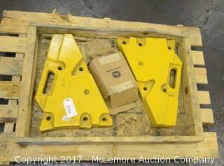 (2) John Deere 39kg Weights with Hardware