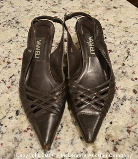 4 Pairs of Size 6 Women's Shoes