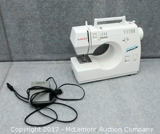 Singer 30215 Sewing Machine with Case