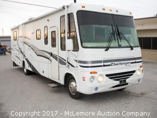 2004 Challenger by Damon Class A Motor Coach with Ford 6.8L V10 SOHC 30V Engine