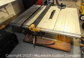 Powermatic Model 411 Table Saw with Fence and Miter Push