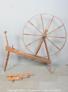 Solid Wood Antique Spinning Wheel with 4 Antique L.S. Watson Cotton Cards