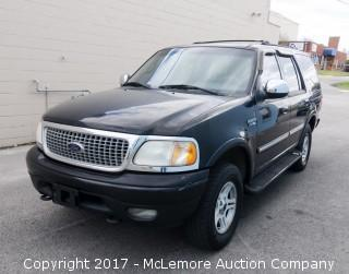2001 Ford Expedition XLT 4WD with 5.4L V8 SOHC 16V Engine