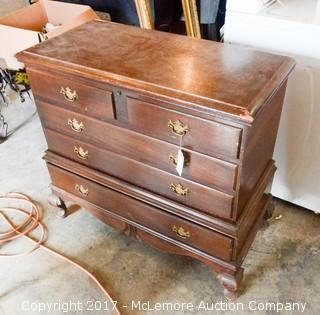 Cedar Chest with Bottom Drawer