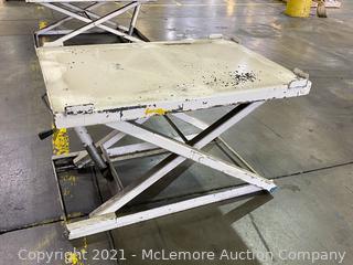 Adjustable Lift Table