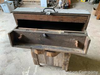 "Antiqe Carpenters Box 31"""