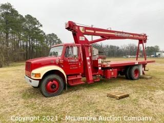 2000 International 4700 Boom Truck