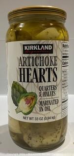 Kirkland Signature 33oz Quarters & Halves Artichoke Hears Marinated in Oil - NEW