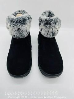 New in Box - Khombu Women's Jessica All Weather Bootie Black - Size 7