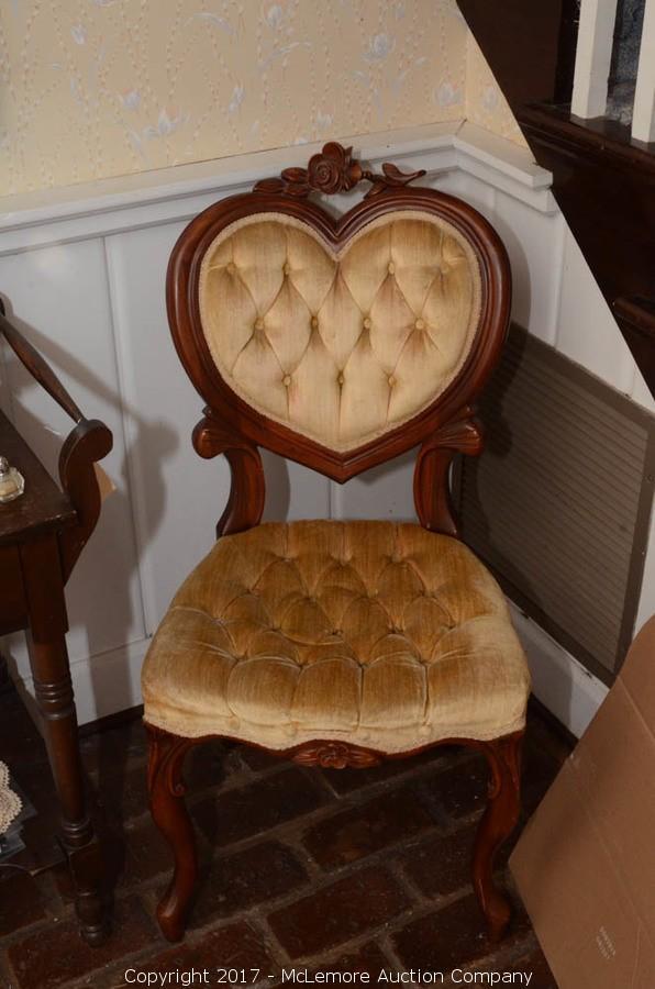 Antique Queen Anne Heart Shaped Parlor Chair. U2039u203a
