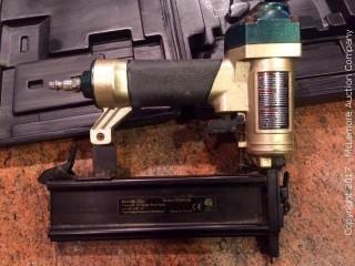 Master Elite Pneumatic Brad Nailer. Model MFBN200. 18 Guage Brad Nails. With Case.