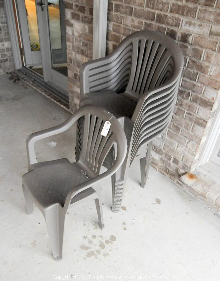 10 Stackable Plastic Chairs. U2039u203a