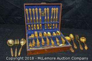 Dirilyte Flatware with Wooden Carrier
