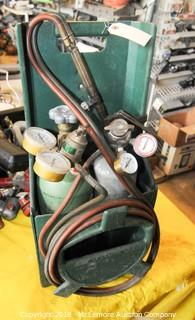 Acetylene Torch Set with Case.  Gauges, Hose and Nozzle