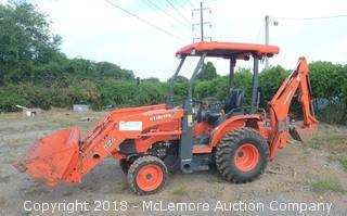 Kubota B26 HST 4x4 Diesel Tractor with TL500 Loader and BT820 Backhoe Attachment