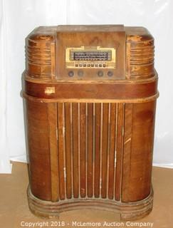 Antique Philco Radio