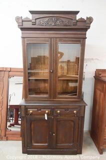 Cabinet with Upper Cabinet