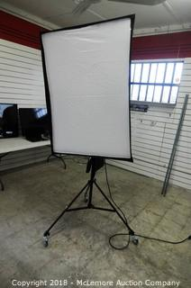 Westcott Pro Spiderlite TD6 Shallow Soft Box With Daylight Fluorescent Full Spectrum Bulbs with 4 Tier Rolling Stand