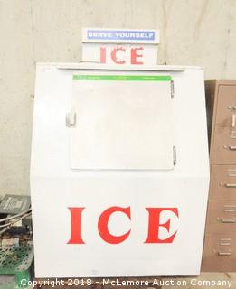 Commercial Ice Freezer