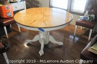 "Round Dining Table with 24"" Leaf"