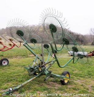 John Deere 702 Hay Rake