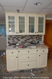 Countertop and Cabinet Showroom Display