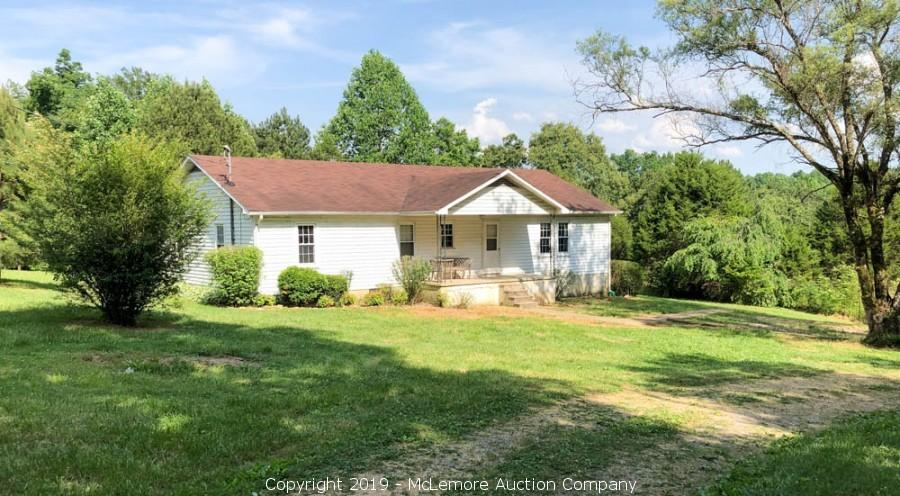3 BR, 2 BA, 1,540± sq ft Home on 1± Acre in Tullahoma, TN