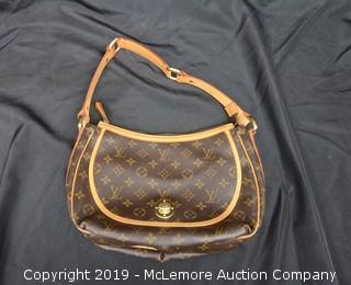 Louis Vuitton Metal Clasp Shoulder Bag