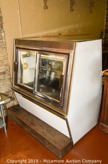 Master-Bilt Products Refrigerated Glass Case