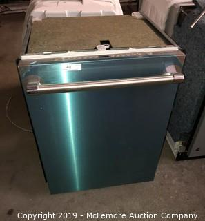 """Thermador Sapphire Glow 24"""" Built In Dishwasher"""