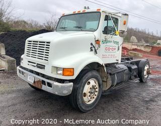 2000 International 8100 Truck with 10.8L L6 Diesel Engine