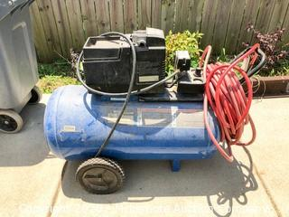 DeVilbiss 30 Gallon 4HP Air Compressor