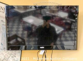 "Sanyo 32"" TV with Swivel Mount"