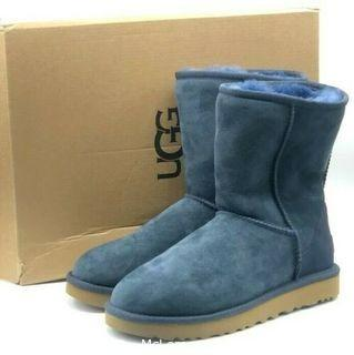 UGG Classic Short II Women's Boots, Navy,  Size 7, (MSRP $199)