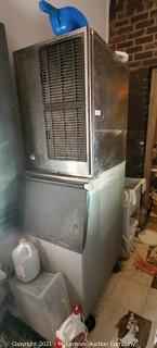Hoshizaki Commercial Ice Maker with Bin